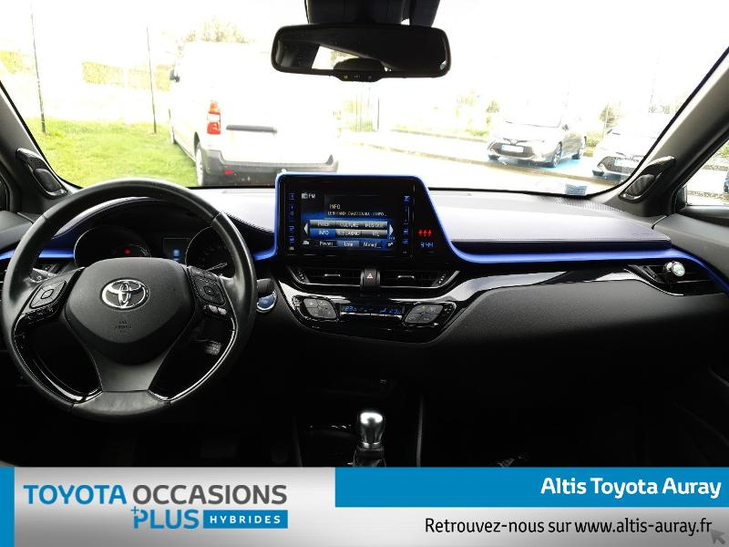 Photo 5 de l'offre de TOYOTA C-HR 122h Graphic 2WD E-CVT à 21990€ chez Altis - Toyota Auray