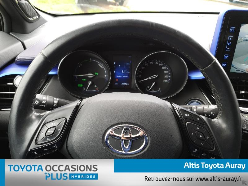 Photo 8 de l'offre de TOYOTA C-HR 122h Graphic 2WD E-CVT à 21990€ chez Altis - Toyota Auray